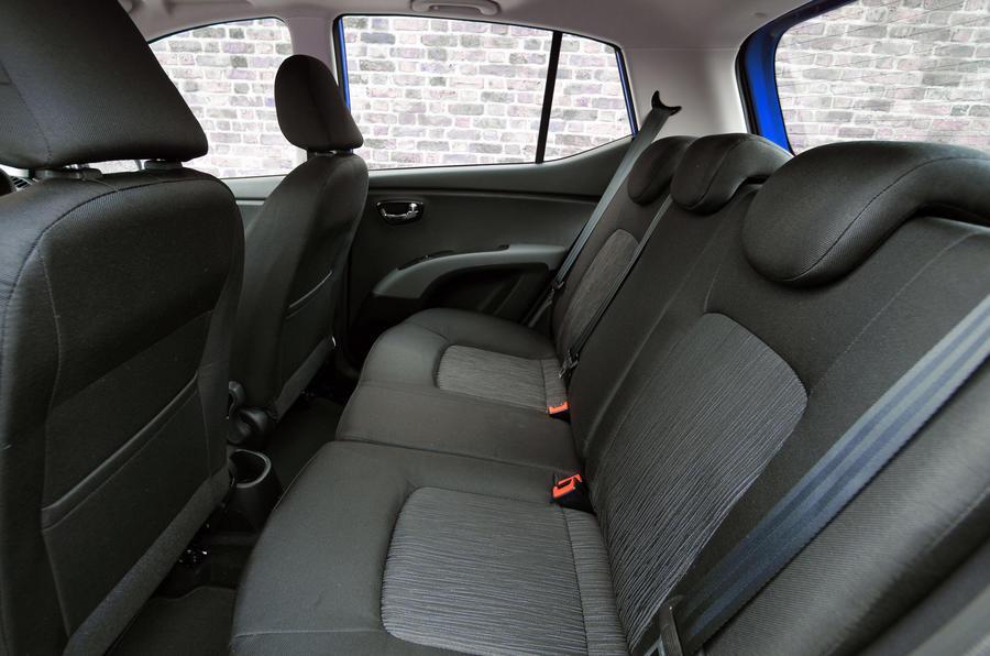 Hyundai i10 Blue rear seats