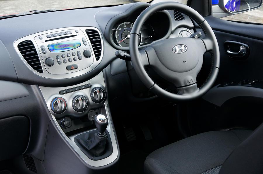 Hyundai i10 Blue dashboard