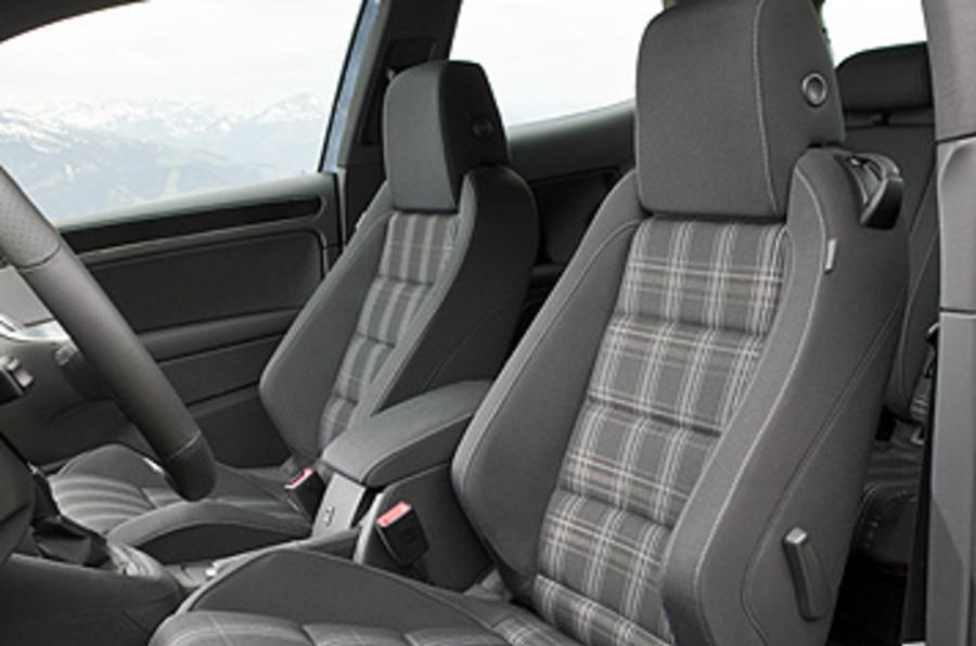 Volkswagen Golf GTD front seats