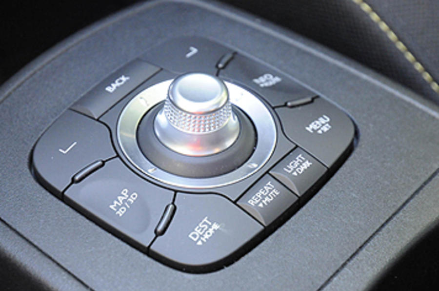 Renault Grand Scenic infotainment controller