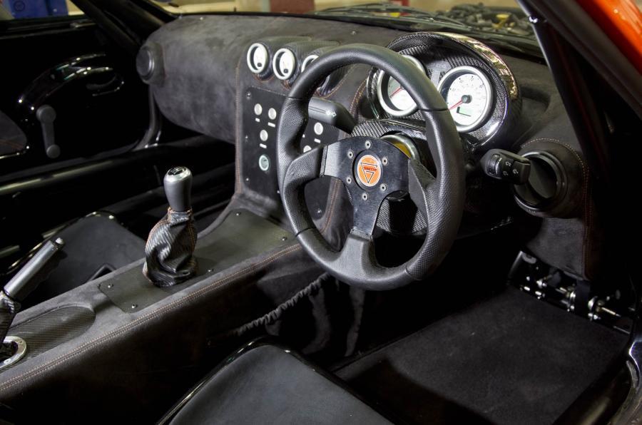 Ginetta G40R interior
