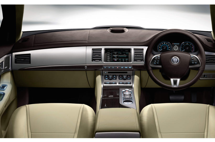 Jaguar XF dashboard