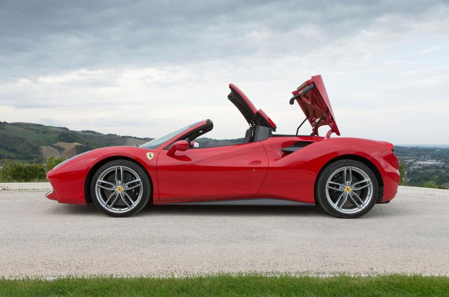 Ferrari 488 Spider folding roof