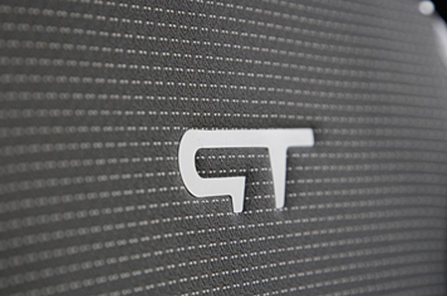 Renault Clio GT badge