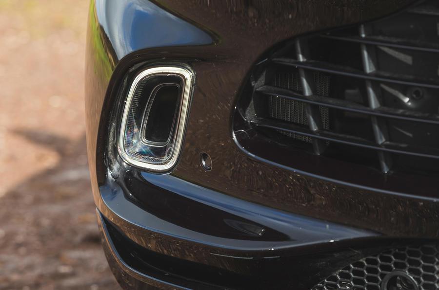 Examen de l'essai routier de l'Aston Martin DBX 2020 - Pare-chocs avant