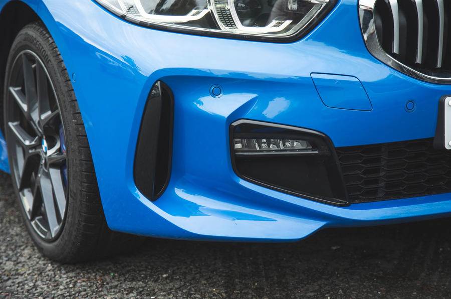 BMW 1 Series 118i 2019 road test review - front aero