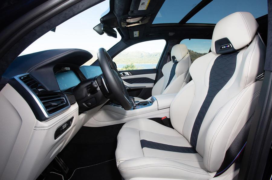 BMW X5 M Competition 2020 : examen de l'essai routier - cabine