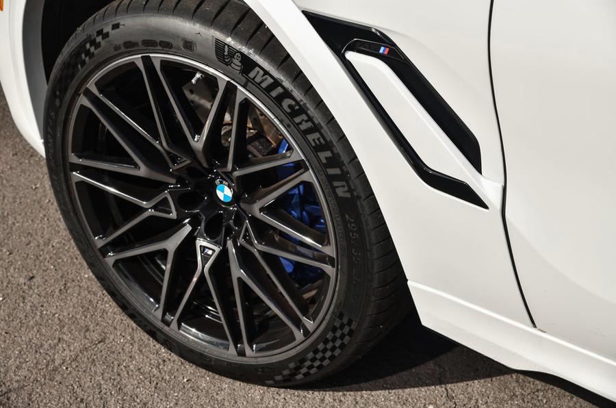 BMW X6 M Competition 2020 : examen des essais routiers - roues en alliage