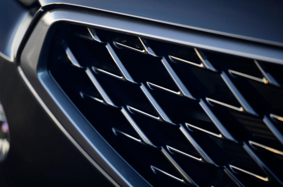 5 Cupra Formentor 2021 : essai routier de la grille avant