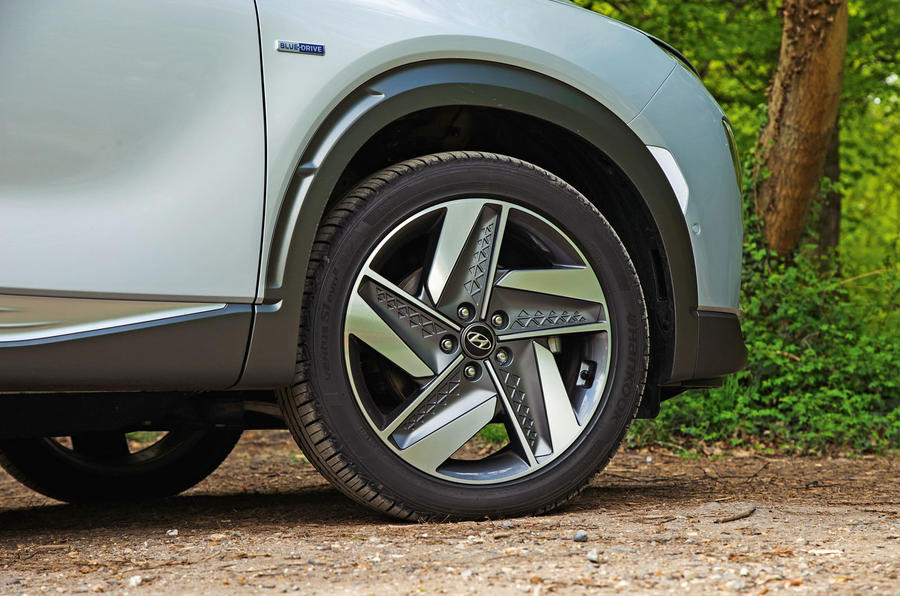 Hyundai Nexo 2019 road test review - alloy wheels