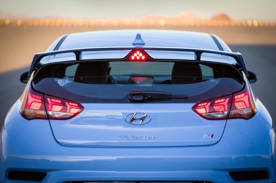 Hyundai Veloster N 2018 review - rear end