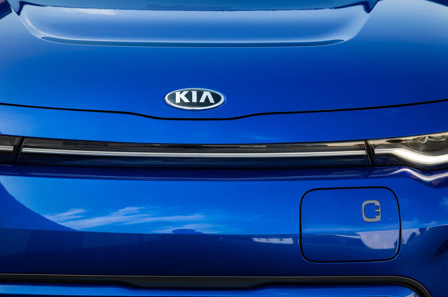 Kia Soul EV 2019 European first drive - bonnet badge