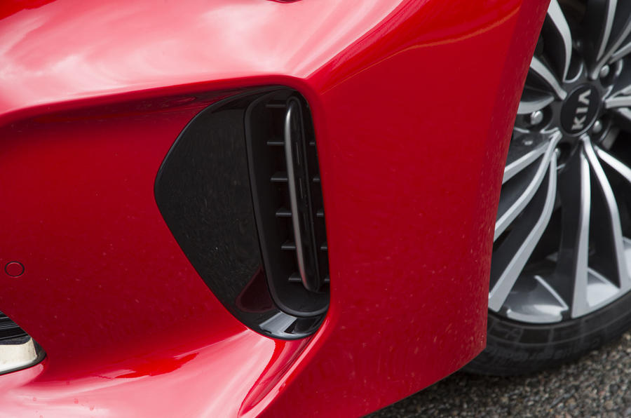 Kia Stinger GT line 2018 review air intake