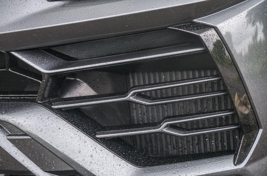 Lamborghini Urus 2019 road test review - front bumper
