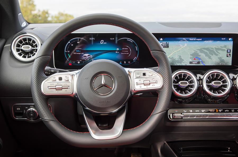 Mercedes-Benz B-Class review - steering wheel