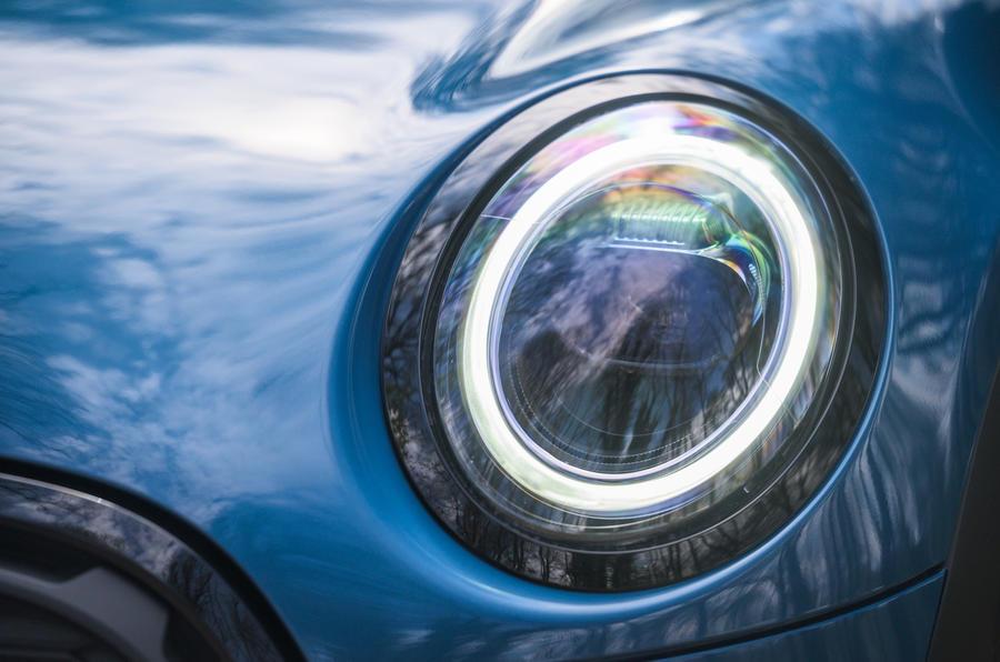 5 Phares de la Mini Cabriolet 2021 RT