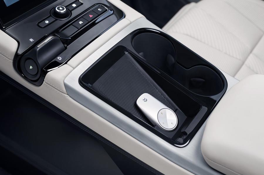 Nio ES8 road test review - centre console