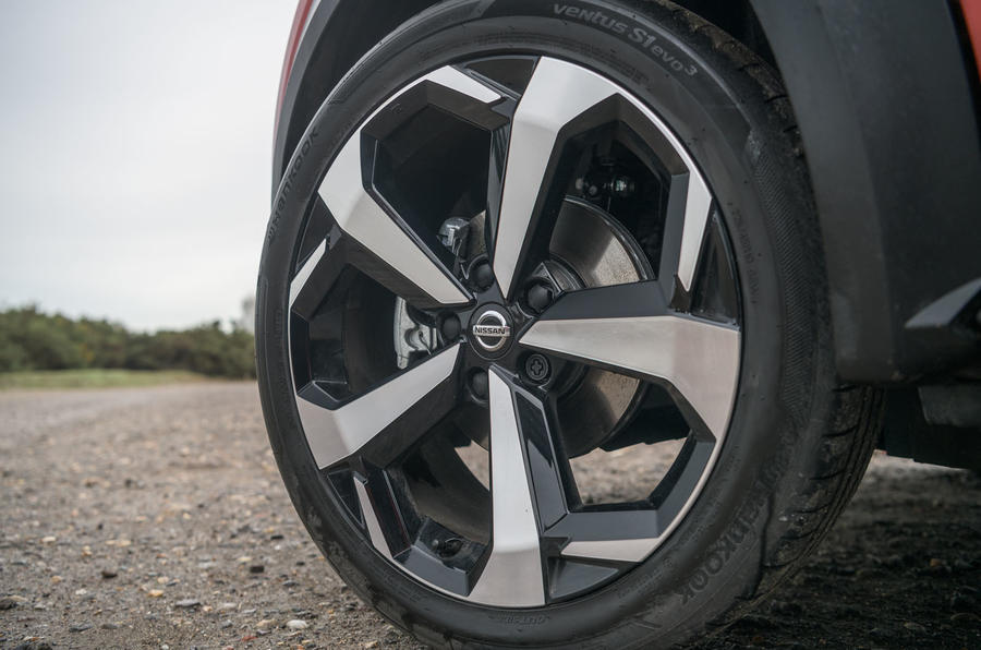 Nissan Juke 2020 road test review - alloy wheels