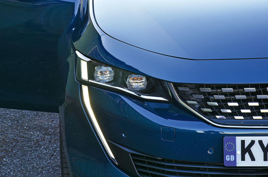 Peugeot 508 2018 road test review - daytime running lights