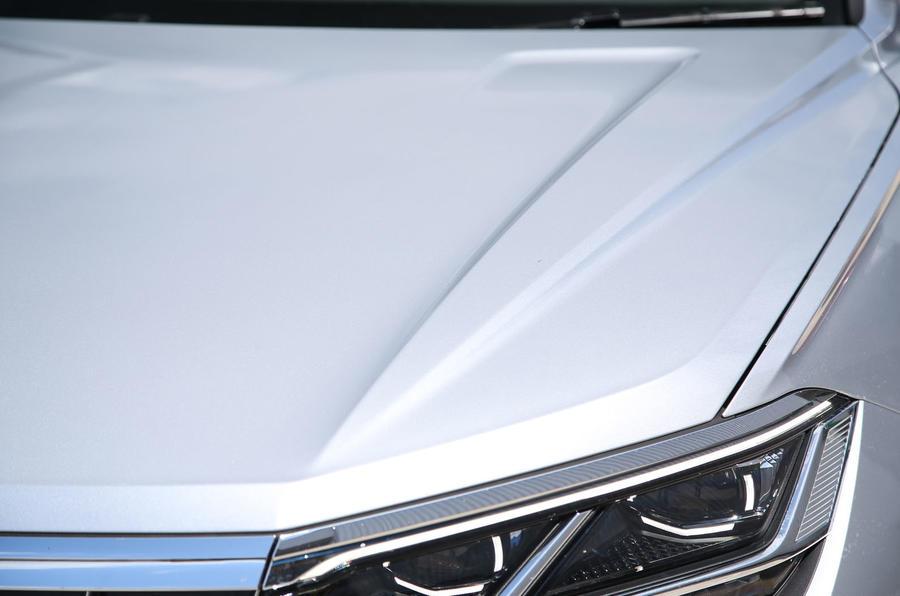 Volkswagen Touareg 2018 road test review bonnet