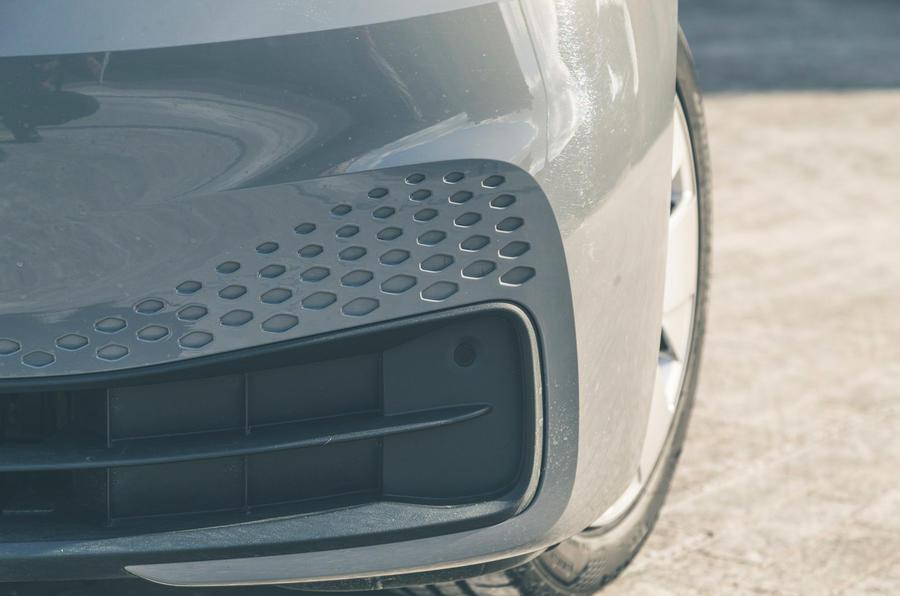 5 VW ID 3 2021 essai routier pare-chocs avant