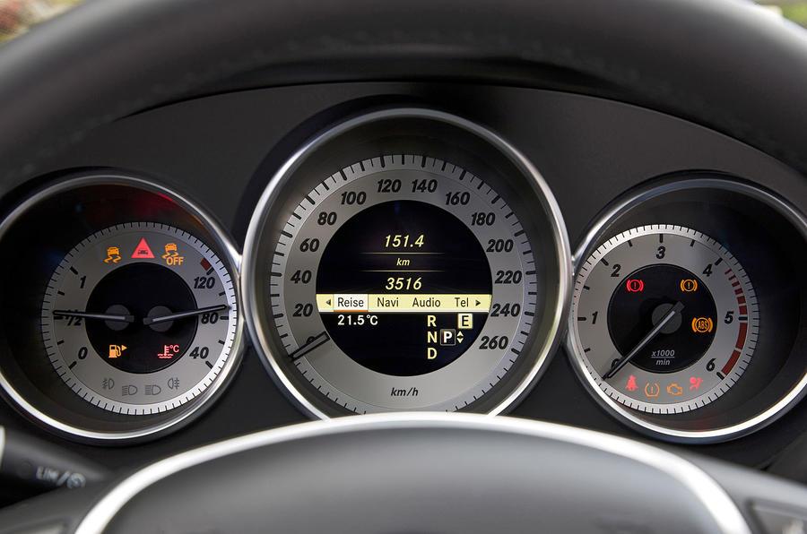 Mercedes CLS information screen