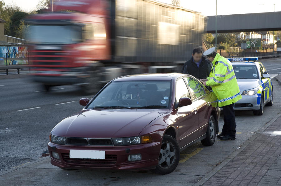 Autocar joins the traffic police