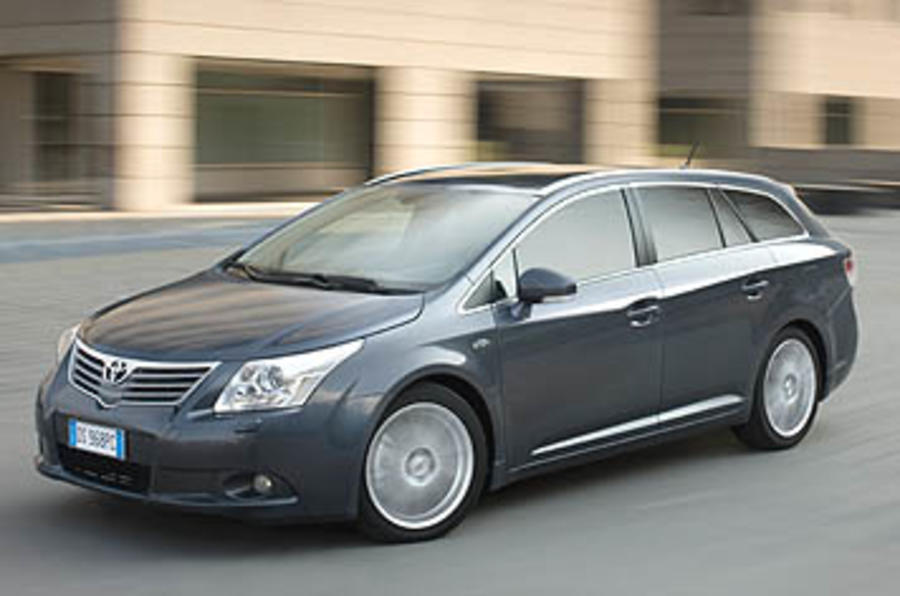 Toyota Avensis Tourer Estate 1 8 Tr First Drive