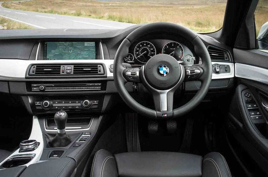 BMW 518d SE dashboard