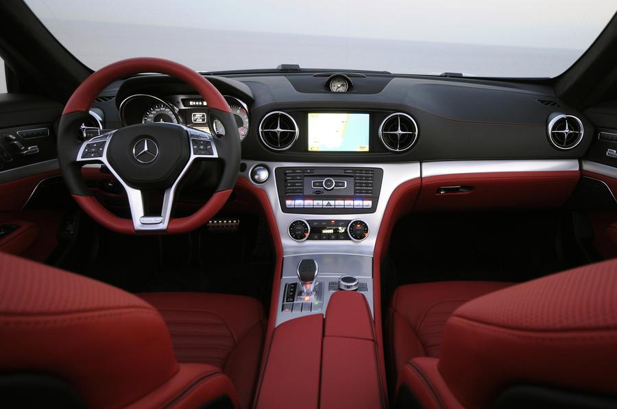 Mercedes-Benz SL 500 dashboard