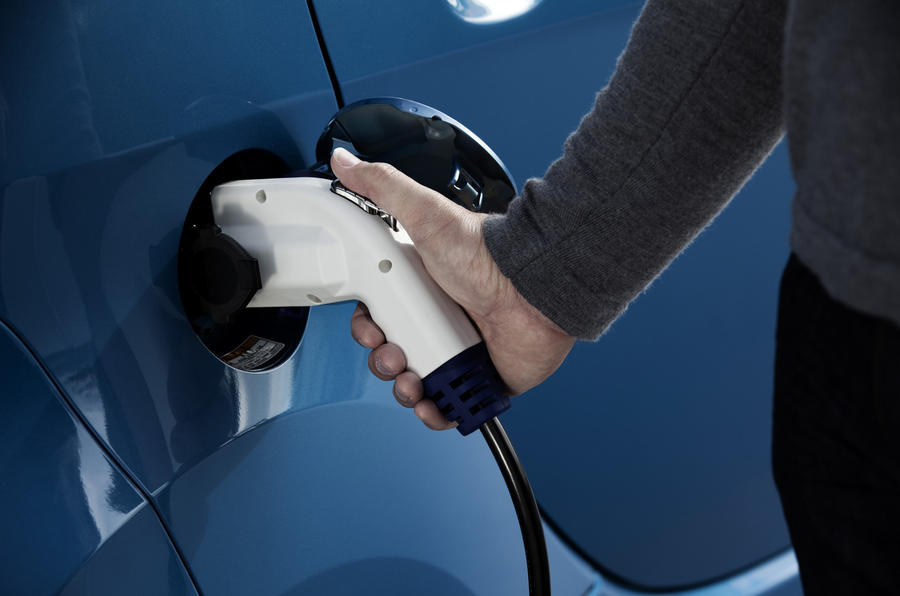 Charging the Peugeot iOn