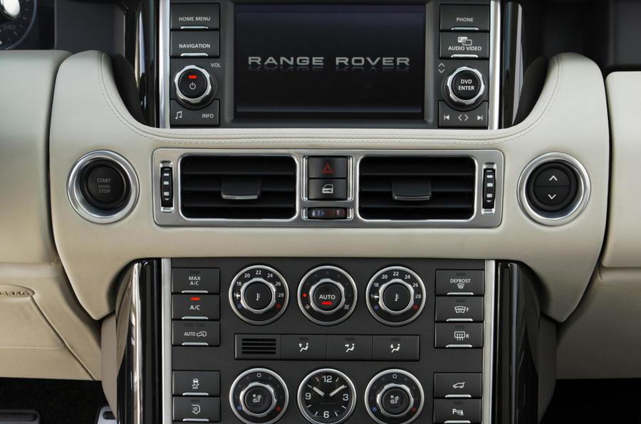Range Rover TDV8 centre console