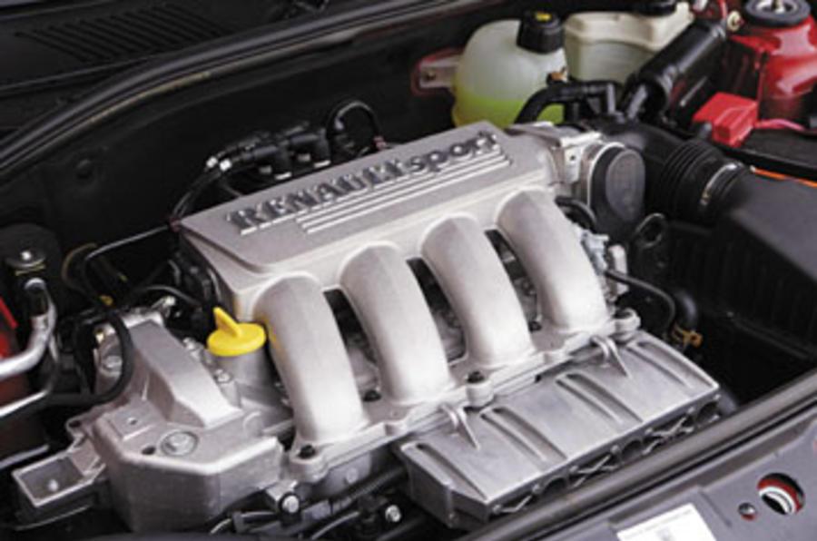 Renault Clio (98-)  2.0