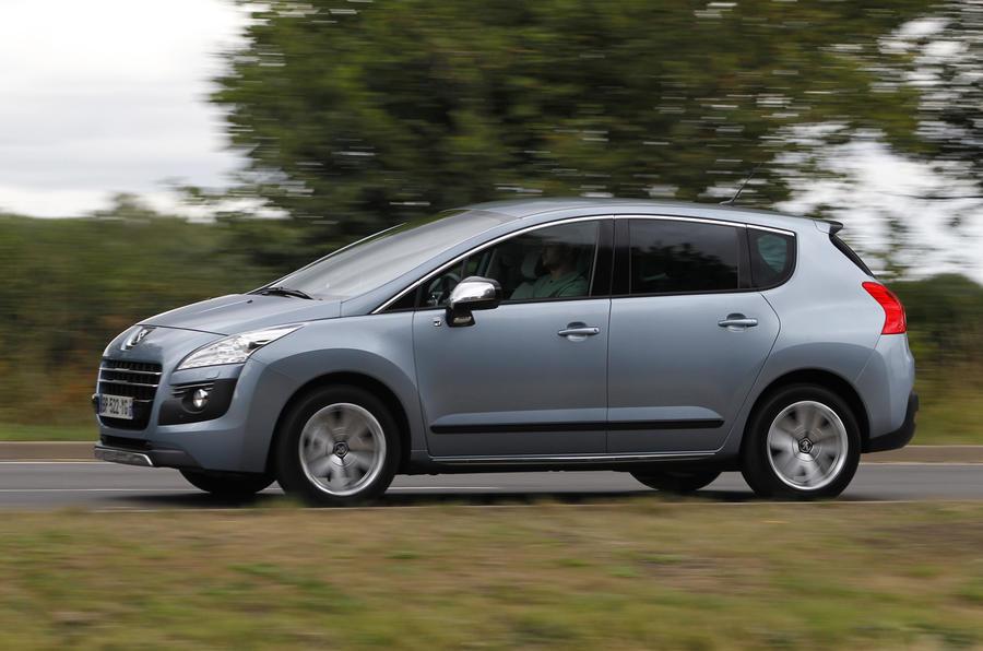 Peugeot 3008 side profile