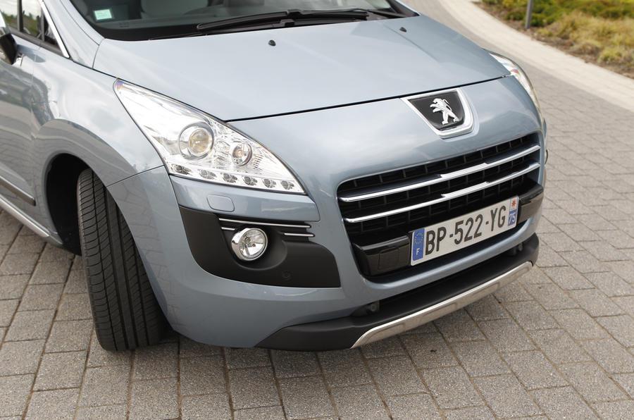 Peugeot 3008 front end