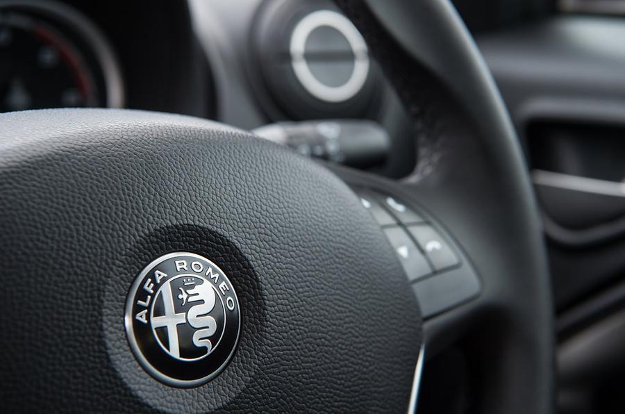 Alfa Romeo Mito review steering wheel