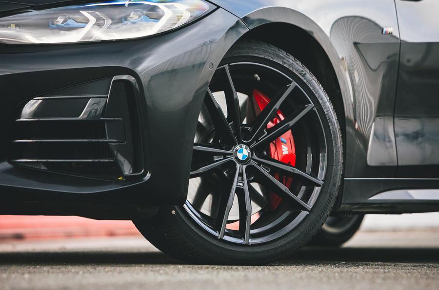 6 BMW Série 4 M440i : examen des essais routiers de roues en alliage 2021