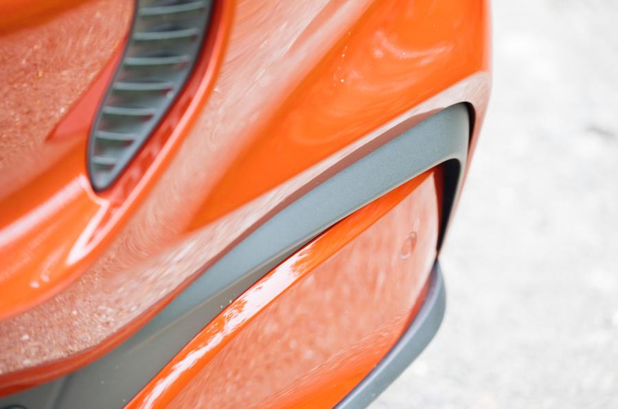 6 Ford Mustang Mach e 2021 RT pare-chocs avant
