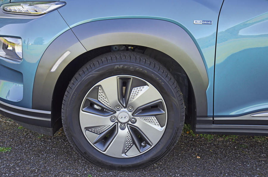 Hyundai Kona Electric 2018 road test review - alloy wheels