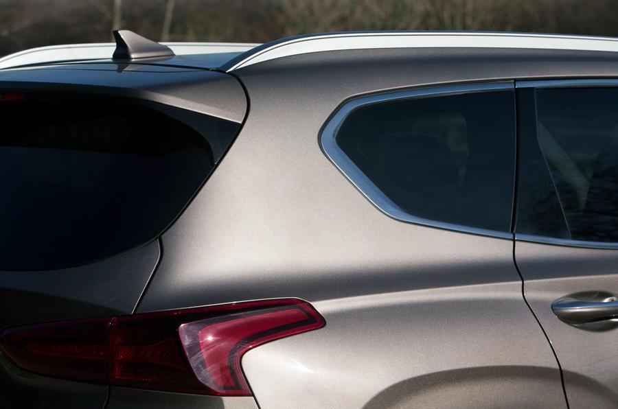 Hyundai Santa Fe 2019 road test review - rear quarter