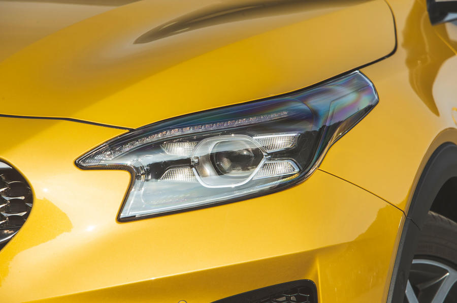 Kia Xceed 2019 road test review - headlights