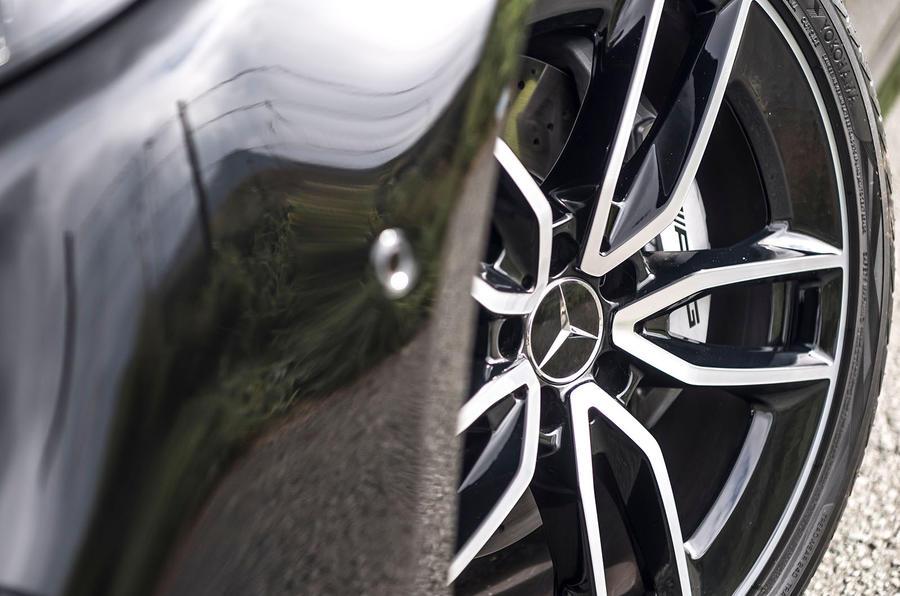 Mercedes-AMG E53 2018 review - brake calipers