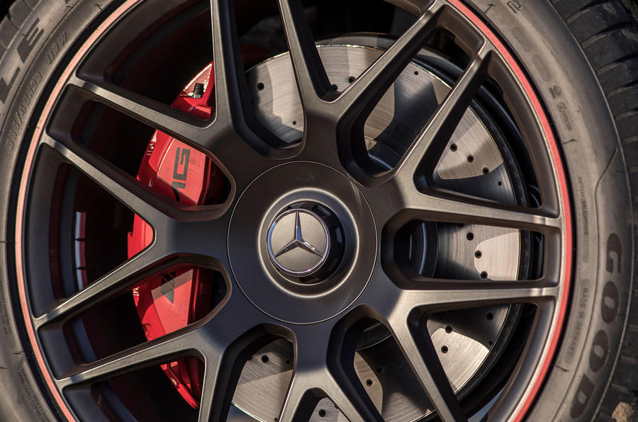 Mercedes-AMG G63 2018 review brake calipes