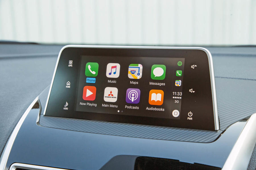 Mitsibushi Eclipse Cross 2018 review Apple CarPlay