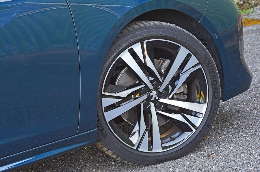 Peugeot 508 2018 road test review - alloy wheels