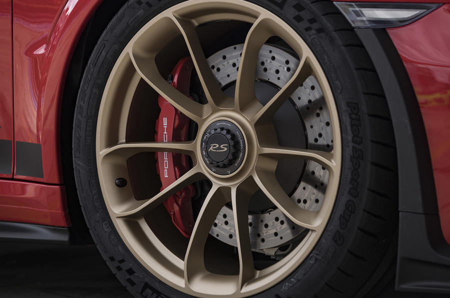 Porsche 911 GT3 RS 2018 review alloy wheels