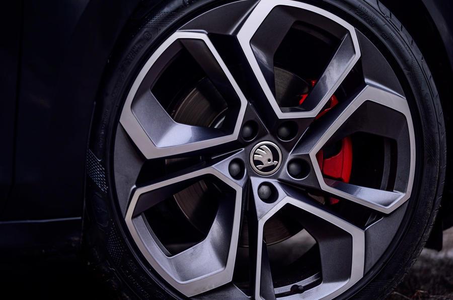 6 Skoda Octavia vRS TDI 2021 test routier revue des roues en alliage