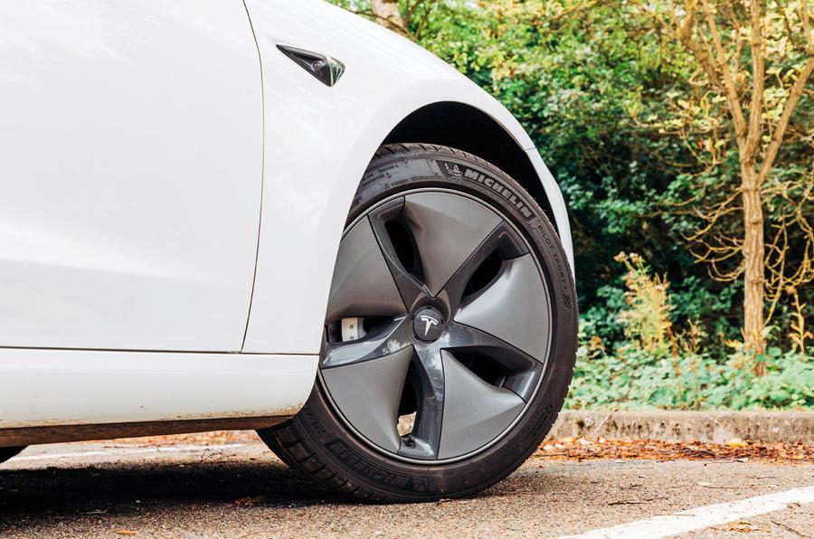 Tesla Model 3 road test - alloy wheel