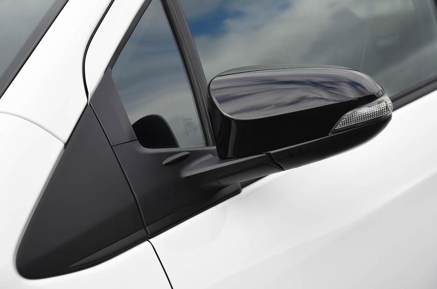 Toyota Yaris GRMN wing mirrors