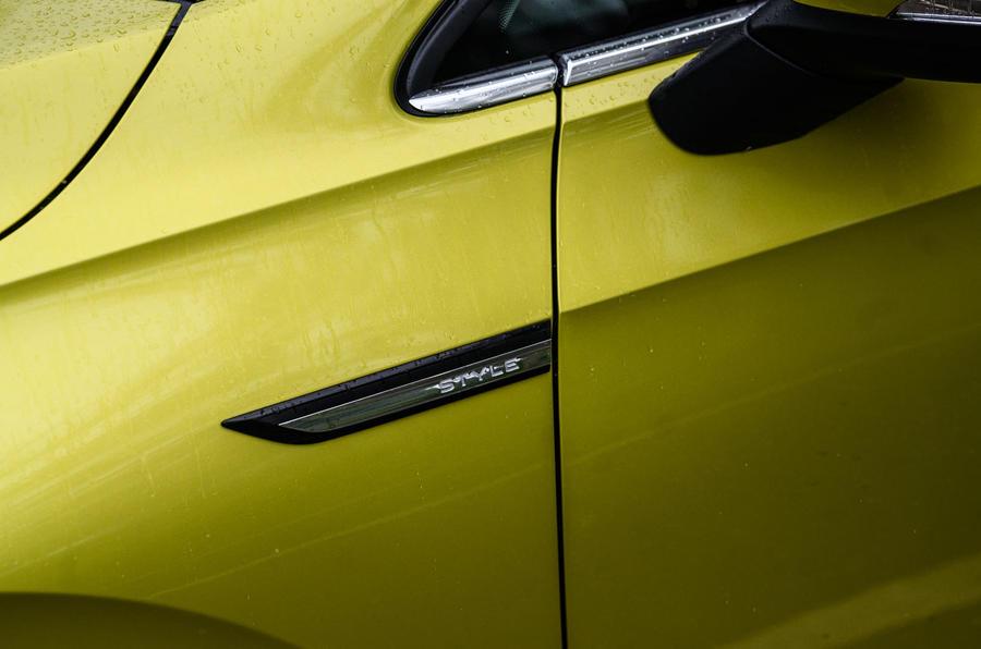 Volkswagen Golf 2020 road test review - side decals